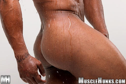 Hunky black bodybuilder Devon Ford 004 Ripped Muscle Bodybuilder Strips Naked and Strokes His Big Hard Cock for at Muscle Hunks photo1 - Hunky black bodybuilder Devon Ford at Muscle Hunks