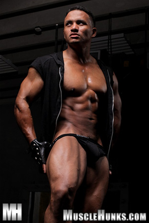 Hunky black bodybuilder Devon Ford 005 Ripped Muscle Bodybuilder Strips Naked and Strokes His Big Hard Cock for at Muscle Hunks photo1 - Hunky black bodybuilder Devon Ford at Muscle Hunks