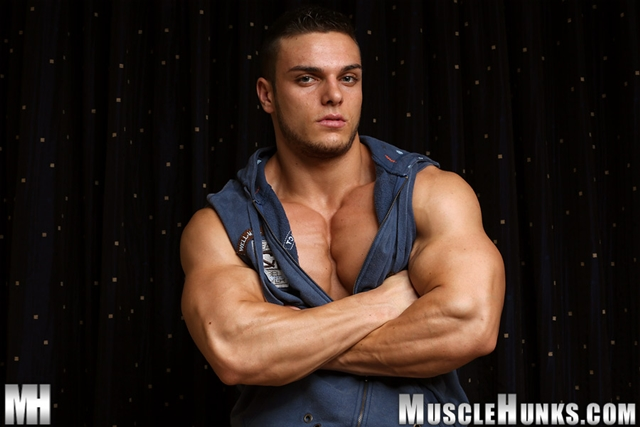 Naked muscle bodybuilder Kevin Conrad Muscle Hunks 01 photo - Naked muscle bodybuilder Kevin Conrad at Muscle Hunks