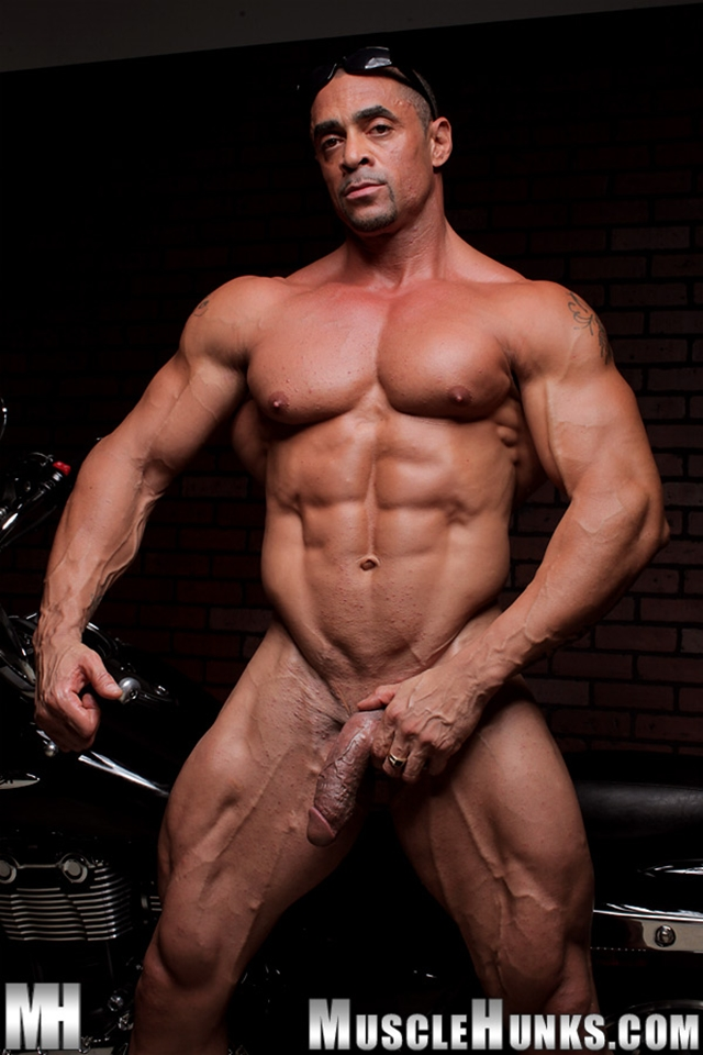 Nude gay bodybuilder Eddie Camacho 07gay porn pics photo - Nude gay bodybuilder Eddie Camacho stripped and gorgeous - he's back at Muscle Hunks