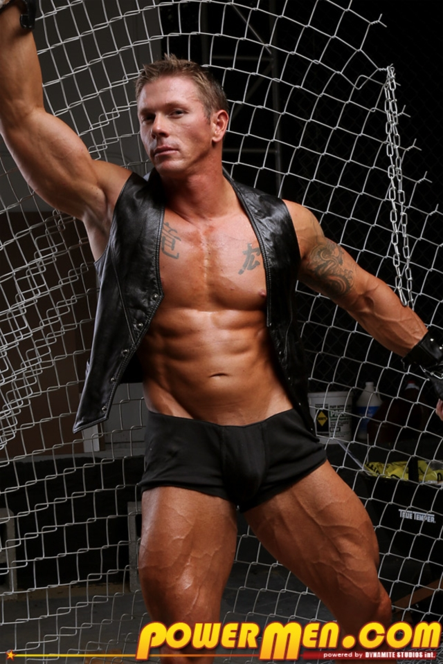 James-Idols-PowerMen-nude-gay-porn-muscle-men-hunks-big-uncut-cocks-tattooed-ripped-bodies-hung-massive-naked-bodybuilder-07-gallery-video-photo