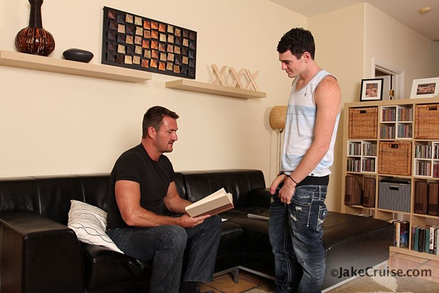 Anthony London Jessippi Cappozzolli 001 Ripped Muscle Bodybuilder Strips Naked and Strokes His Big Hard Cock Jake Cruise photo11 - Anthony London & Jessippi Cappozzolli at Jake Cruise