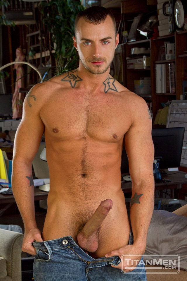 Tattooed Jessie Colter and muscle stud Jessy Ares