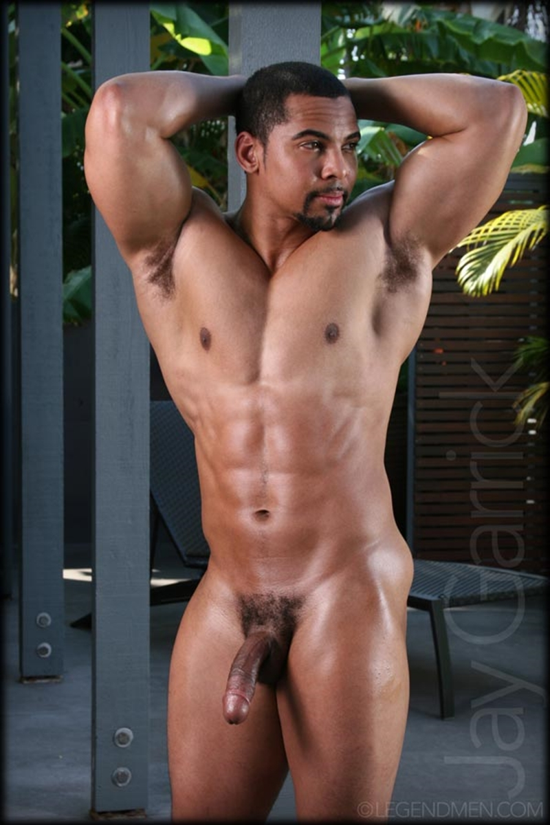 Roberts black naked muscle