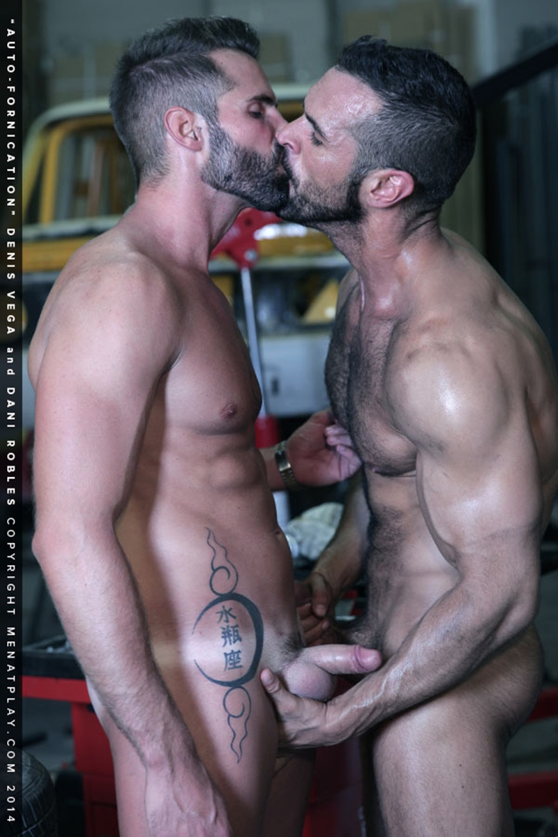 muscle men 2 men at play  Dani Robles and Denis Vega