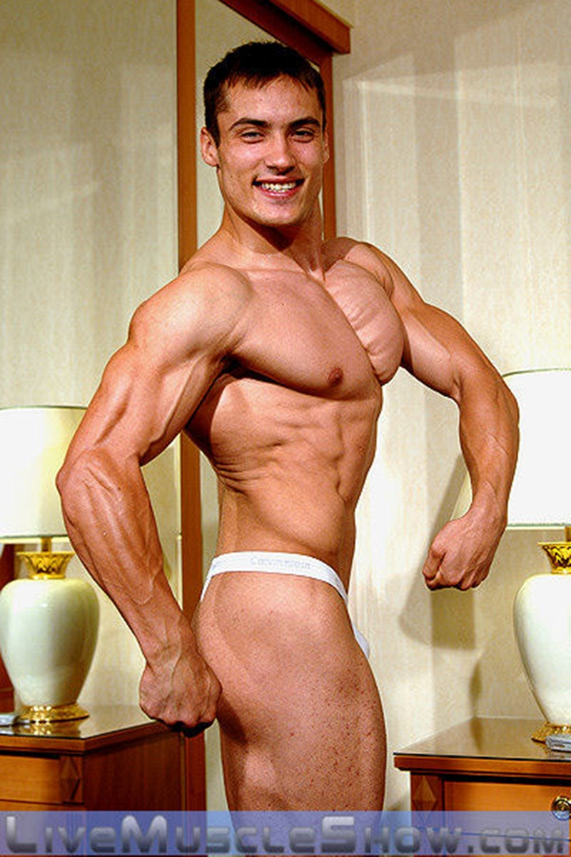 Men free nude live shows