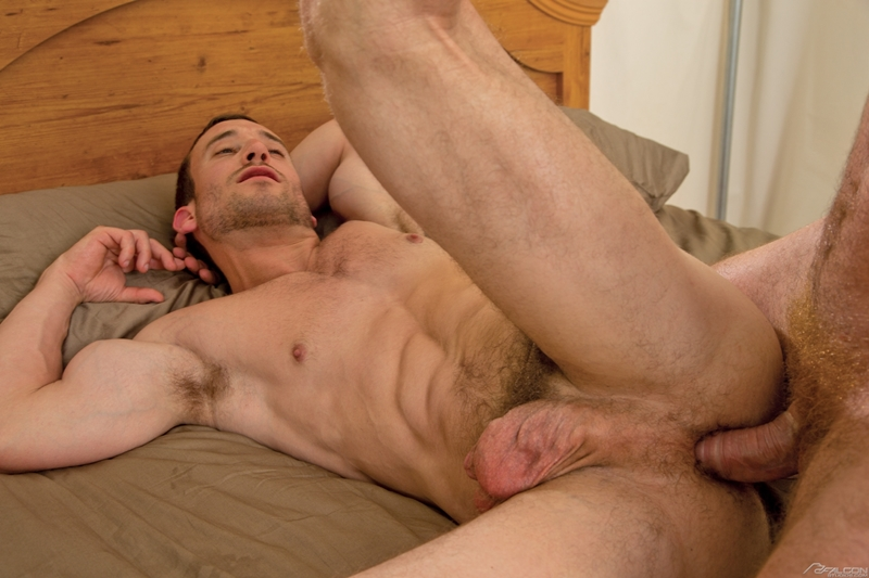 falcon studios  Connor Maguire fucks Mike Gaite