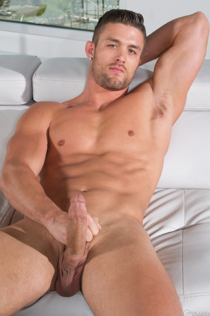 Hot guys in porno