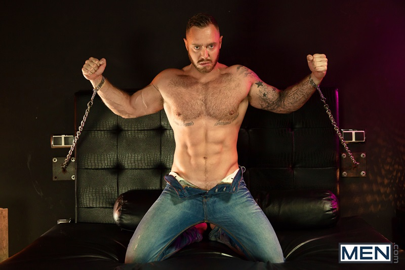 Damien Crosse and Dominique Hansson hardcore muscle fucking
