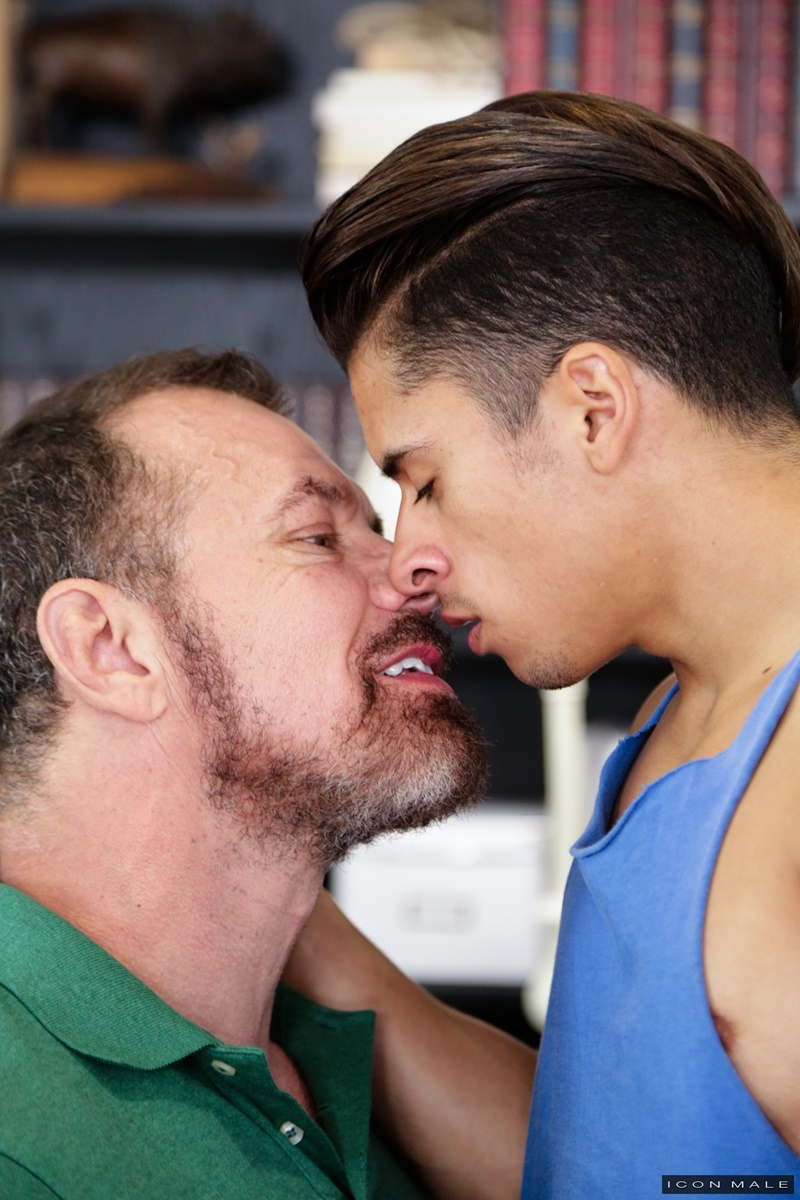 iconmale-older-mature-muscle-dude-max-sargent-fucks-armond-rizzo-tight-young-smooth-asshole-big-thick-dick-cocksucker-ass-rimmer-cock-sucking-008-gay-porn-sex-gallery-pics-video-photo
