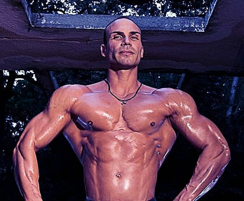 JockMenLive Lex Harris bodybuilder champion Ripped young daddy type flex competition weight lifter bulk bodybuilding natural muscled hunk 005 gay porn sex porno video pics gallery photo - Jock Men Live nude bodybuilder big muscle man Lex Harris