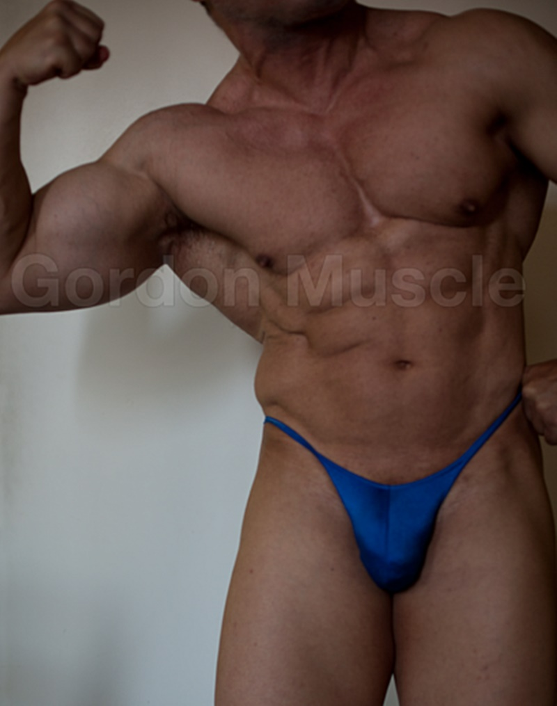 JockMenLive nude big muscle hunks Gordon Muscle jerking sweating posing pouch huge dick crotch bulge cumshot flexin muscled 006 gay porn sex gallery pics video photo - Jock Men Live Gordon Muscle masturbating and flexing his big muscle body