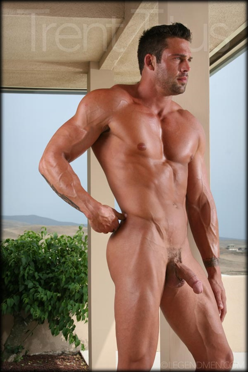 Legend Men Trent Titus Strips And Jerks His Huge Fat Dick -9860