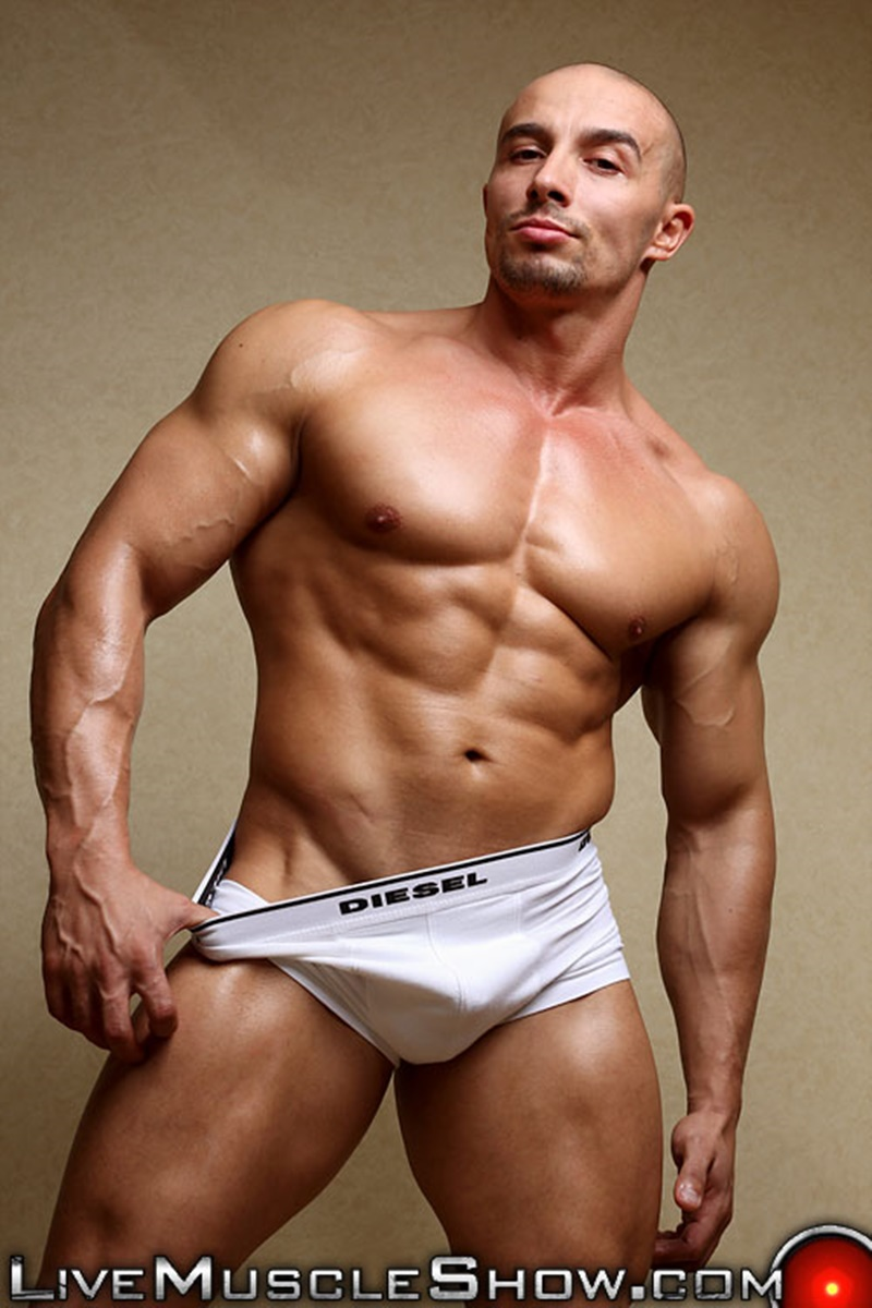 Free naked muscle man video — 12