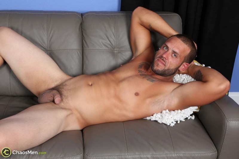 Straight dude (mostly) construction worker Kendrick jerks his huge 8 inch dick