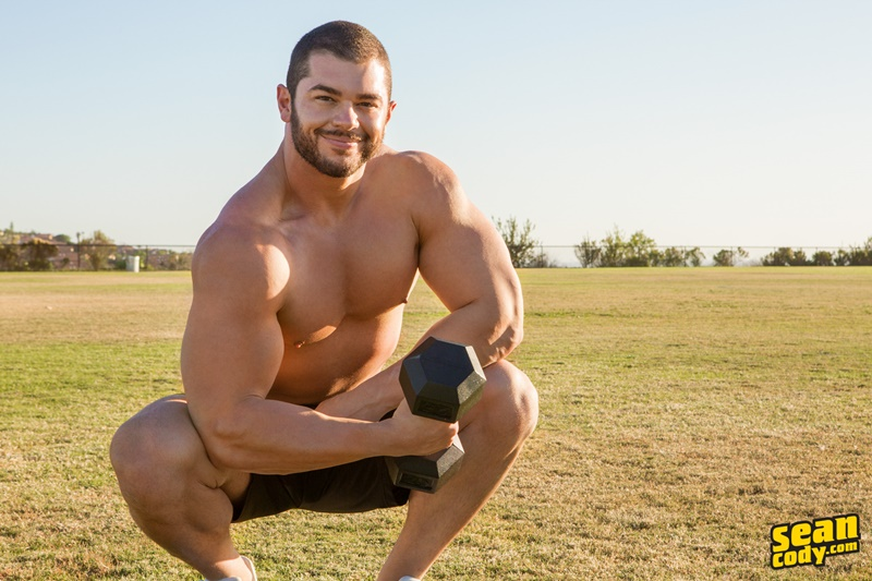 Nude muscle hunk Sean Cody Arnie strips off his kit and wanks his big all American dick