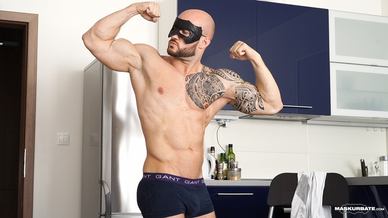 Bodybuilder David Boss strips and jerks his big thick cock