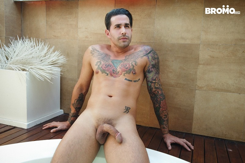 Tattooed-muscle-hunk-Bromo-Luciano-Peter-hardcore-bubble-butt-fucking-Bromo-008-Gay-Porn-Pics